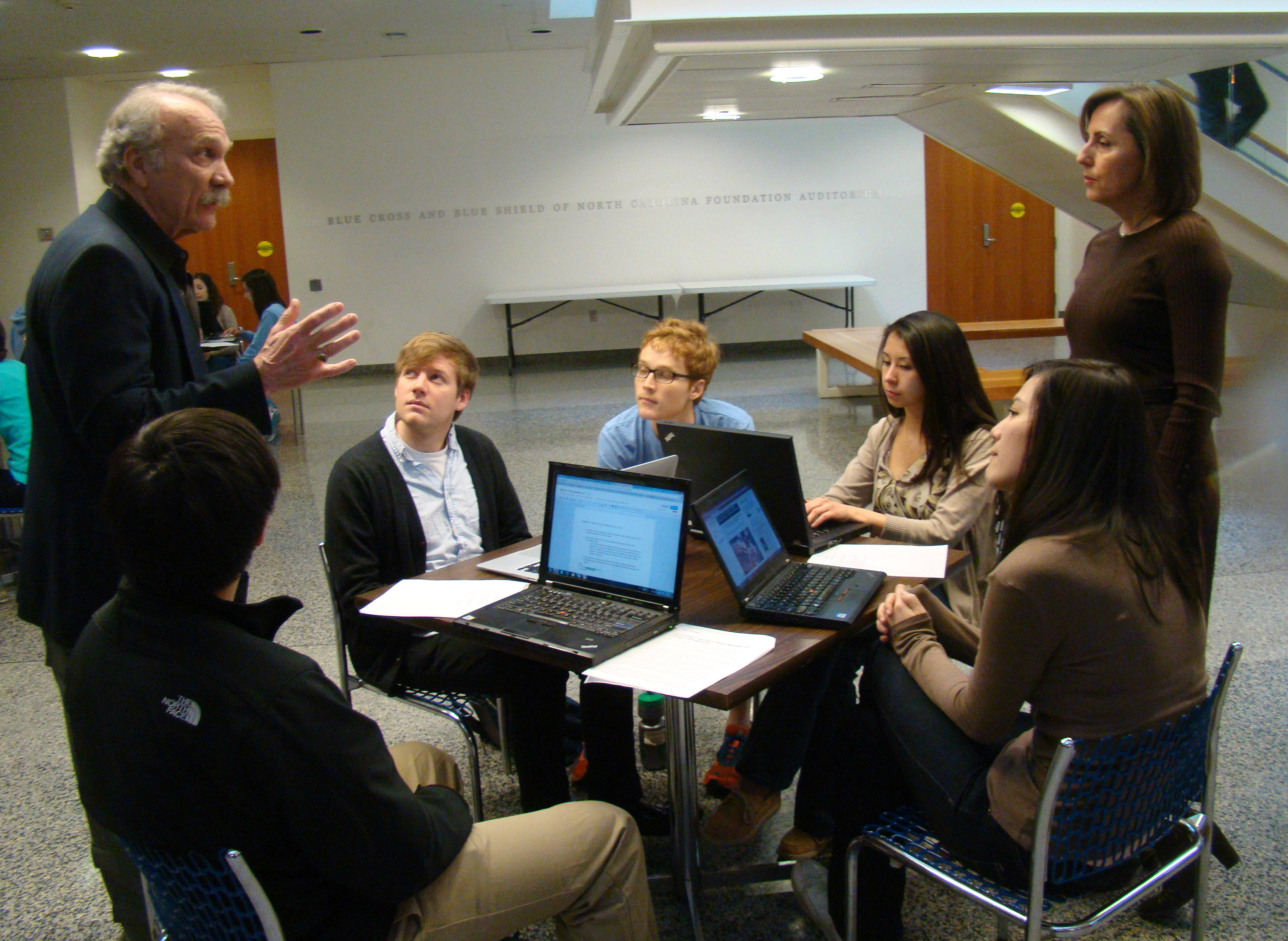 Dr. Jim Porto visits a class taught by Dr. Sue Hobbs.