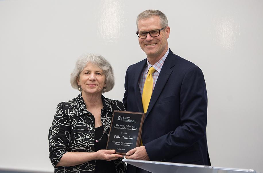 Sally Herndon accepts the Barr Award.