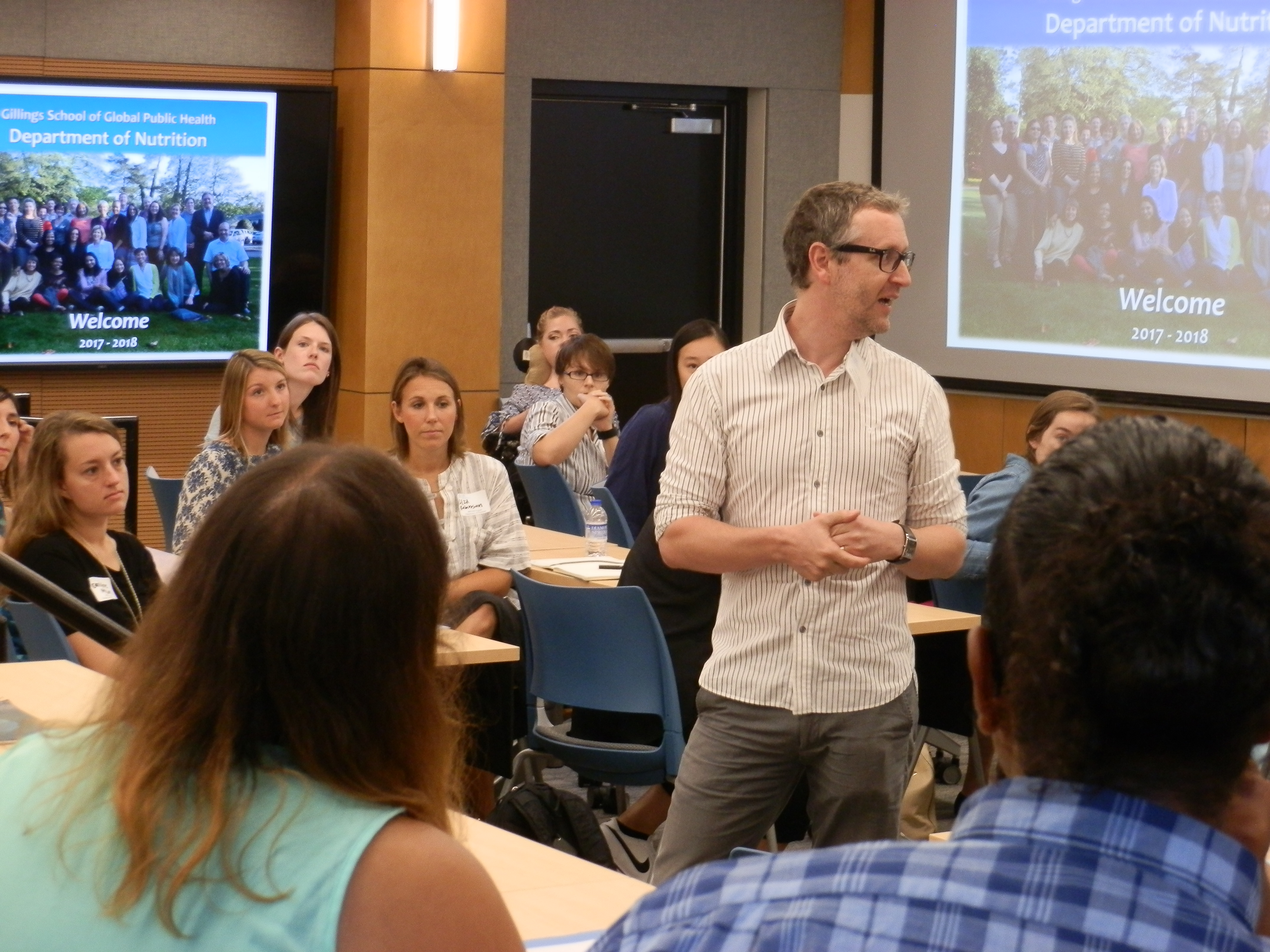 Dr. Ian Carroll speaking to a new cohort of MPH/RD students