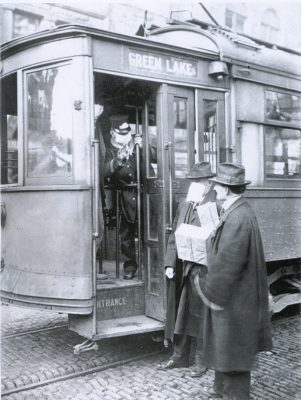People without protective masks could not board a Seattle trolley car in 1918. (Photo courtesy of U.S. National Archives)