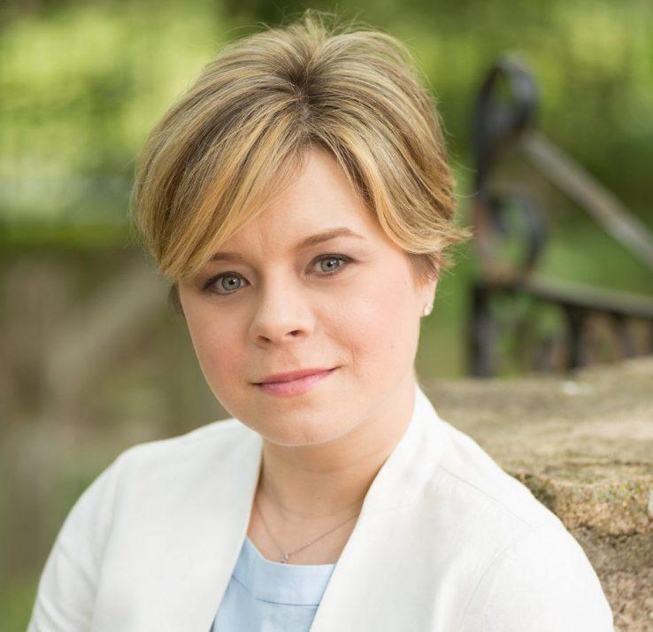 Karine Dube headshot