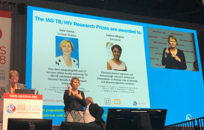IAS Research Prize awarded to Dr. Sian Curtis and team.