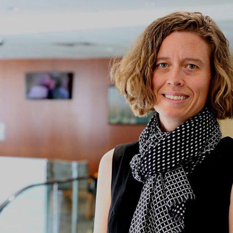 Dr. Alison Stuebe