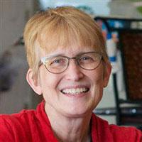 Dr. Anne Hakenewerth