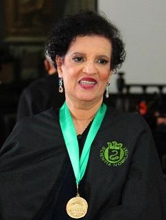 Dr. Vilma Santana